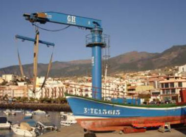 Lifting Vessels on Shore: Jibs